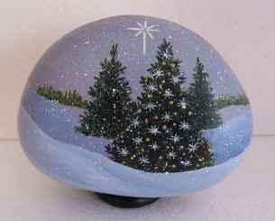 50 Creative DIY Christmas Painted Rock Design Ideas (28)