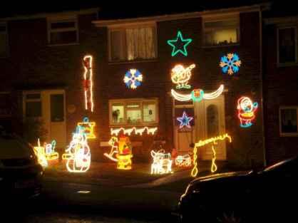 50 Creative Outdoor Christmas Decor Ideas And Makeover (36)
