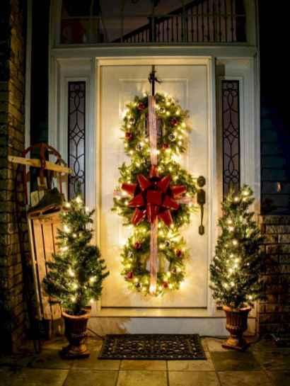 50 Creative Outdoor Christmas Decor Ideas And Makeover (40)
