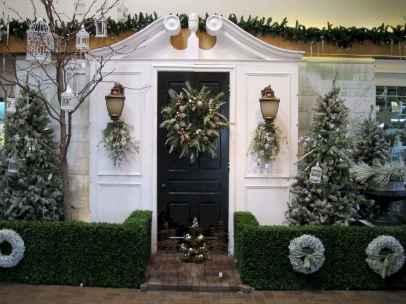 50 Creative Outdoor Christmas Decor Ideas And Makeover (45)