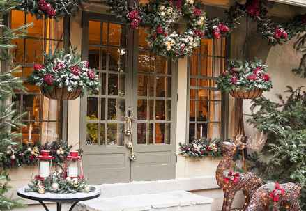 50 Creative Outdoor Christmas Decor Ideas And Makeover (7)