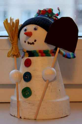 50 Creative and Easy DIY Christmas Decor Ideas And Design (10)