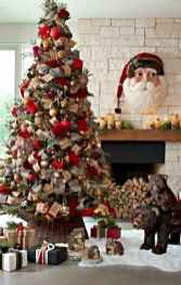 60 Creative Farmhouse Christmas Decorating Ideas And Makeover (15)