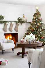60 Creative Farmhouse Christmas Decorating Ideas And Makeover (18)