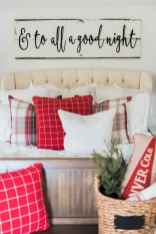 60 Creative Farmhouse Christmas Decorating Ideas And Makeover (19)