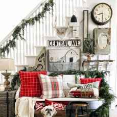 60 Creative Farmhouse Christmas Decorating Ideas And Makeover (5)