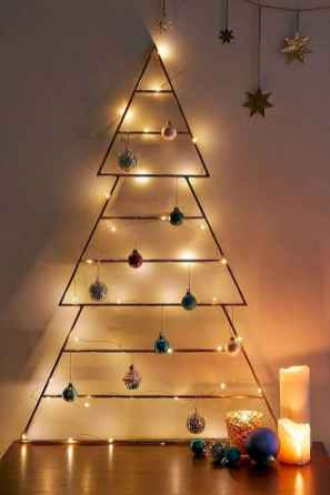 70 Creative Christmas Lights Apartment Decorating Ideas And Makeover (30)