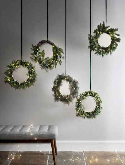 70 Creative Christmas Lights Apartment Decorating Ideas And Makeover (42)
