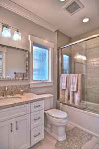 60 Elegant Small Master Bathroom Remodel Ideas (31)