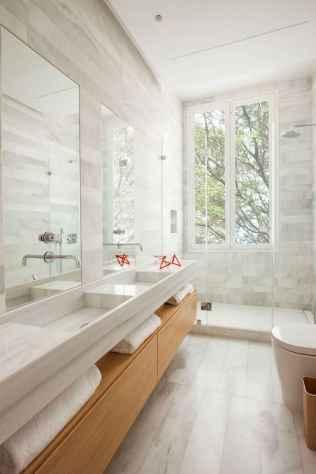 60 Elegant Small Master Bathroom Remodel Ideas (38)