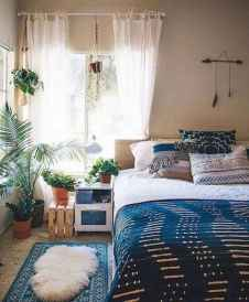 60 Small Apartment Bedroom Decor Ideas On A Budget (10)