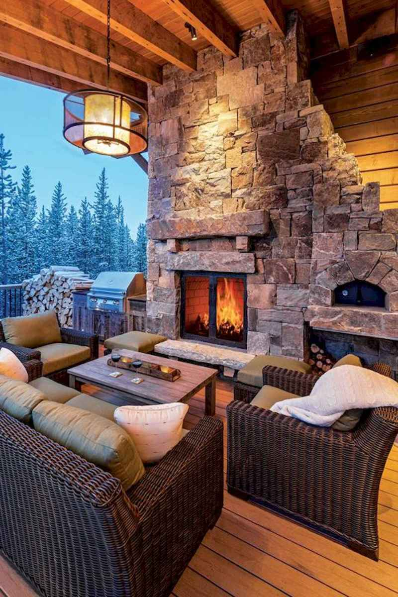 60 Awesome Log Cabin Homes Fireplace Design Ideas (28)