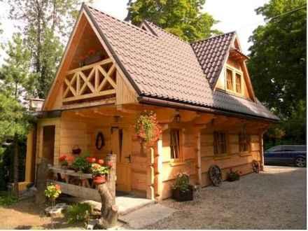 70 Suprising Small Log Cabin Homes Design Ideas (16)