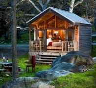70 Suprising Small Log Cabin Homes Design Ideas (32)