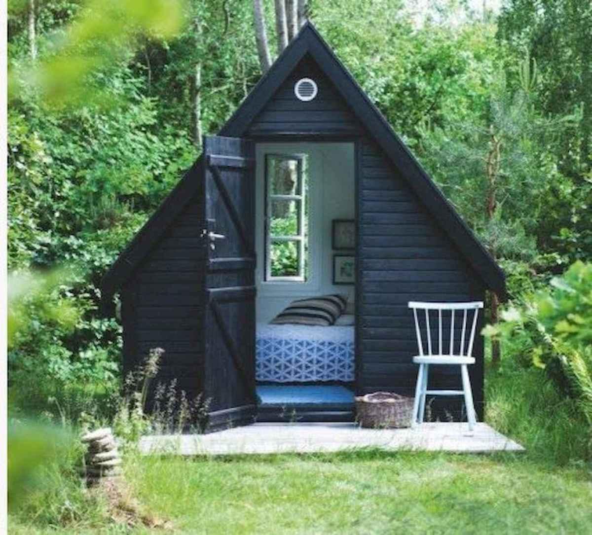 70 Suprising Small Log Cabin Homes Design Ideas (33)