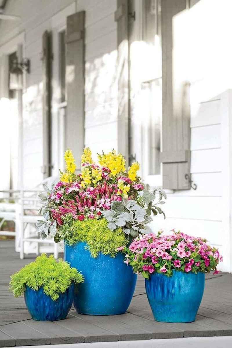 30 Wonderful Spring Garden Ideas Curb Appeal (10)