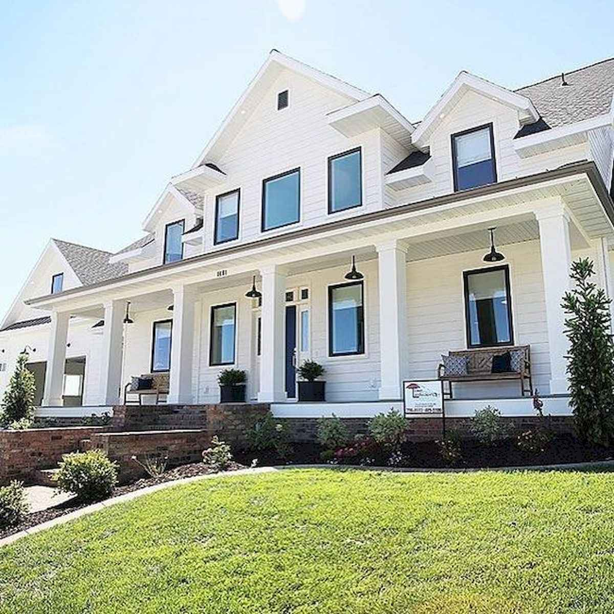 40 Fantastic Dream Home Exterior Design Ideas (20)