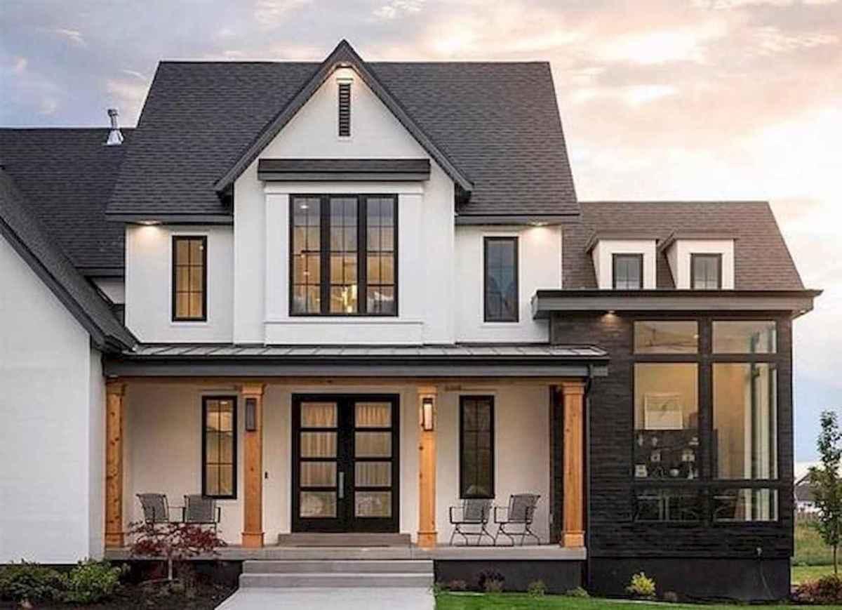 40 Stunning White Farmhouse Exterior Design Ideas (23)
