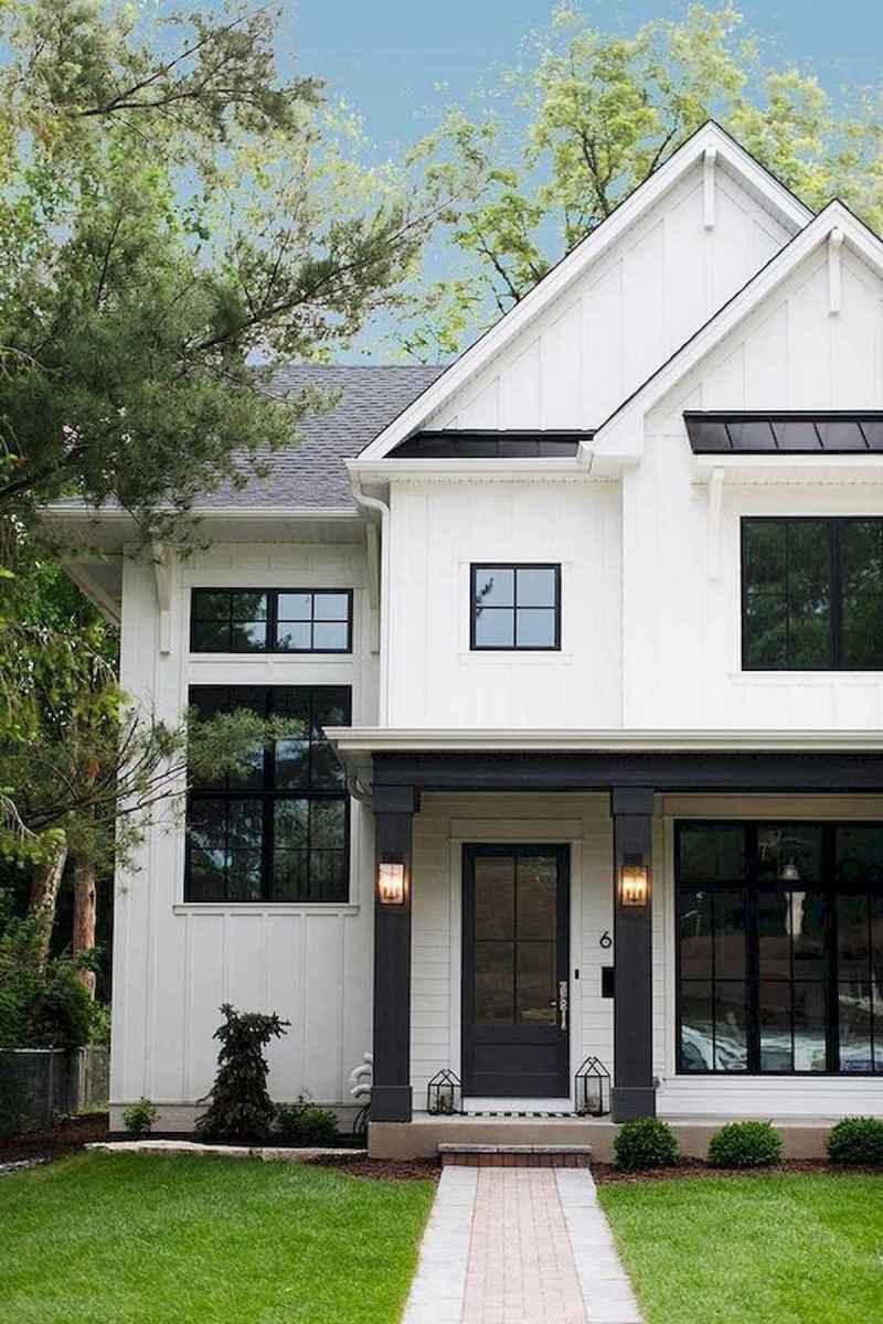 40 Stunning White Farmhouse Exterior Design Ideas (28)