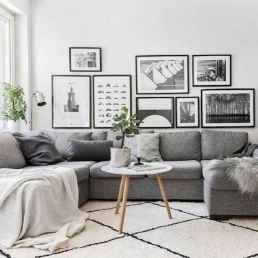 50+ Beautiful Small Living Room Decor Ideas And Remodel for Your First Apartment (29)