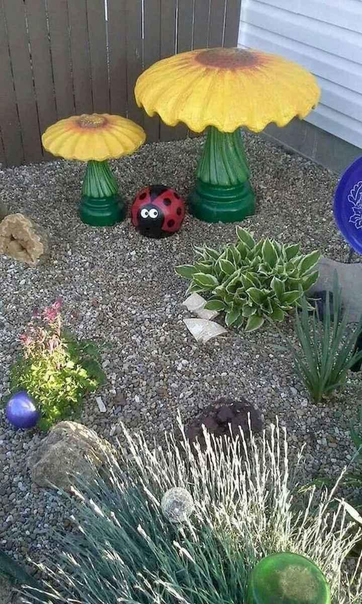 55 Creative Garden Art Mushrooms Design Ideas For Summer (11)