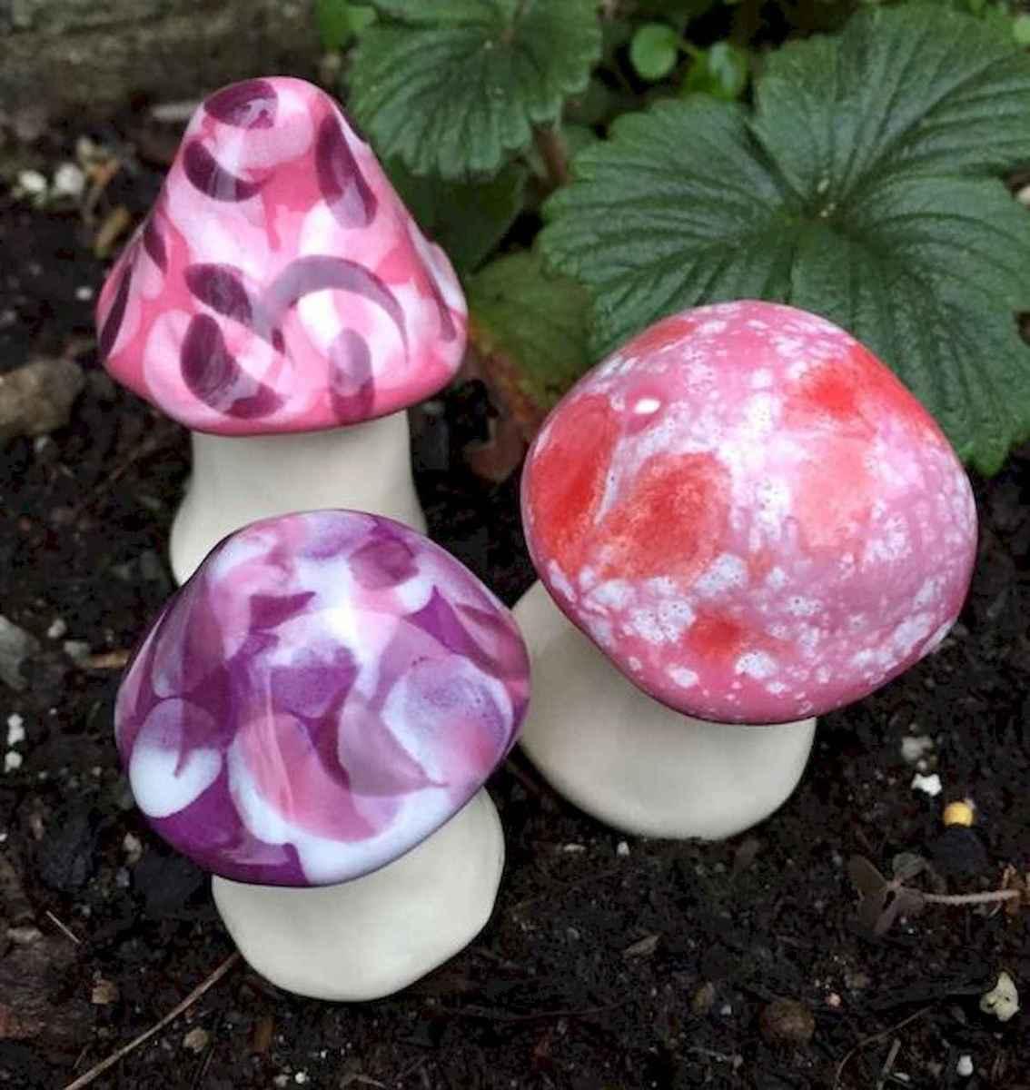 55 Creative Garden Art Mushrooms Design Ideas For Summer (15)