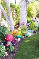 55 Creative Garden Art Mushrooms Design Ideas For Summer (19)
