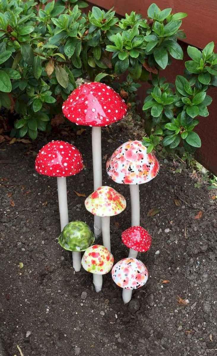 55 Creative Garden Art Mushrooms Design Ideas For Summer (45)