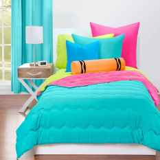 70+ Awesome Colorful Bedroom Decor Ideas And Remodel for Summer Project (67)
