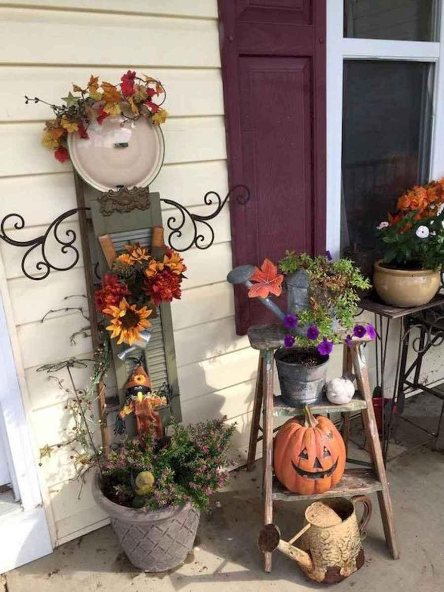 70 Creative and Inspiring Garden Art From Junk Design Ideas For Summer (72)