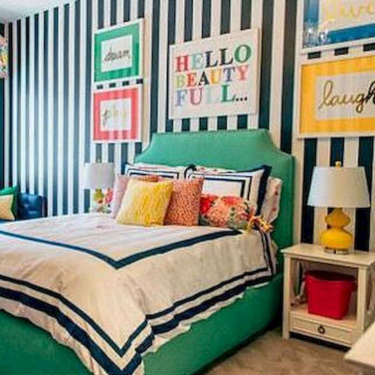 90+ Fantastic Colorful Apartment Decor Ideas And Remodel for Summer Project (64)