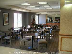 Country Inn and Suites Cookeville - Breakfast Area
