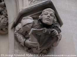 Carving Holding Vanderbilt V