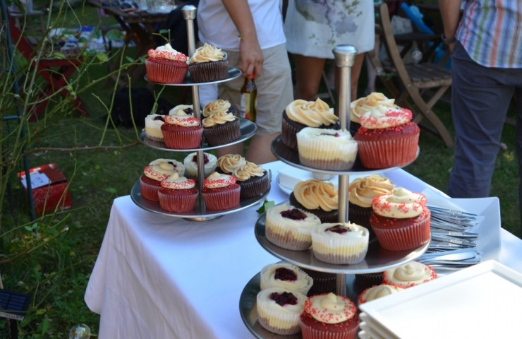 How I Made Cupcakes for a Wedding