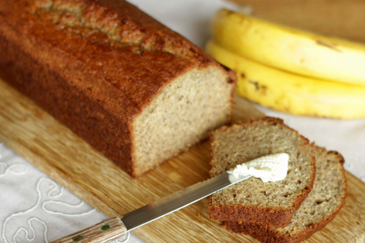 Banana Bread ~ Living on Cookies