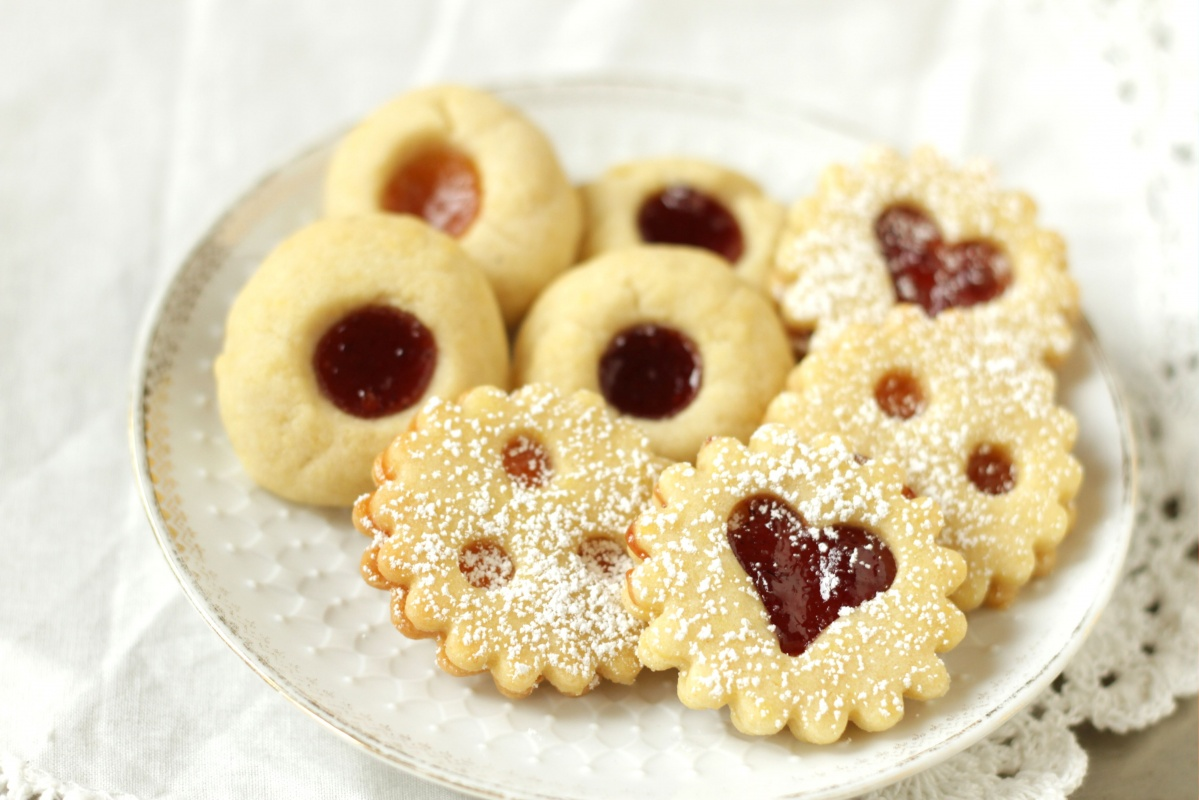 Traditional Austrian Linzer Cookies & Jam Thumbprints