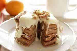Zimt-Buttermilch Pancakes mit Frischkäseglasur