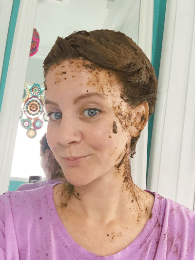 applying lush henna caca rouge