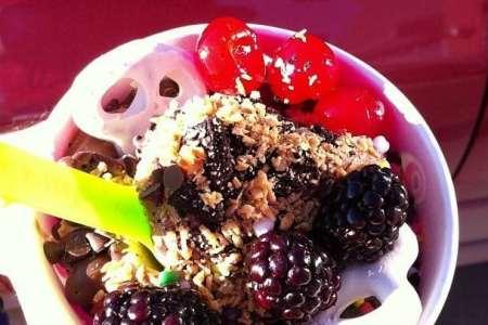 Menchie's serves BOGO free frozen yogurt with toppings