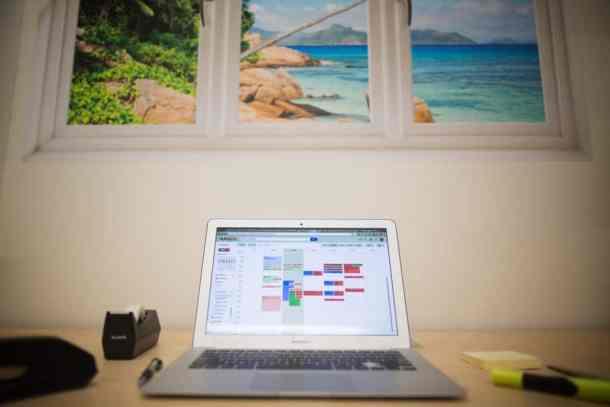 computer-on-desk