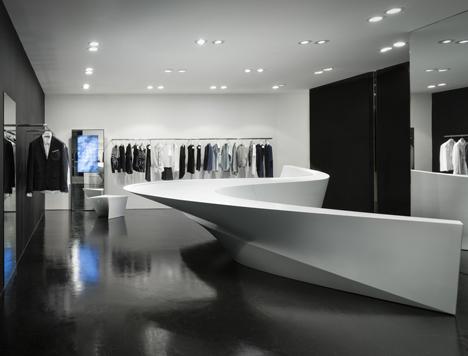 Neil-Barrett-Shop-in-Shop-by-Zaha-Hadid-Architects_7