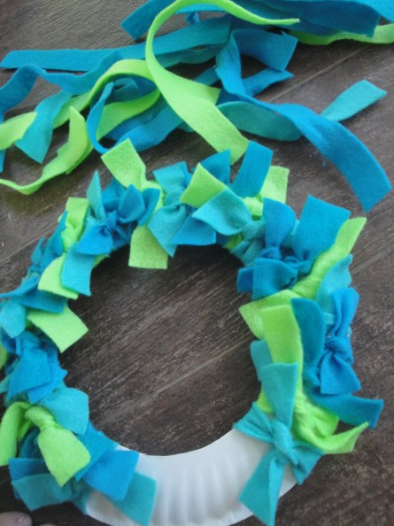 Earth Day wreath step 3d