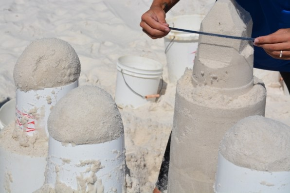 sand-castle-sculpting-1-800x533