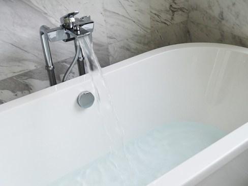 bathtub-890227_640