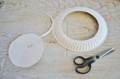 paper plate wreath trim inner edge