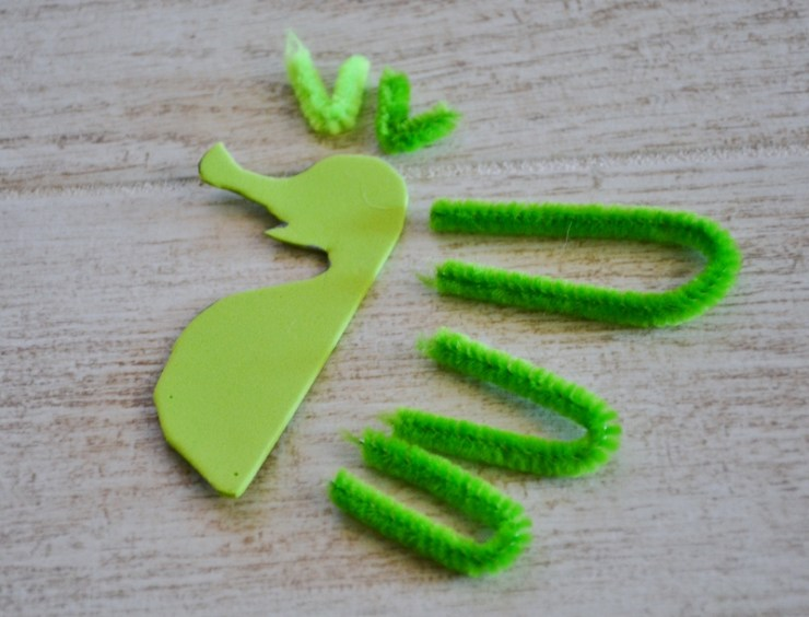 seahorse sea dragon craft - bend cut pipe cleaners