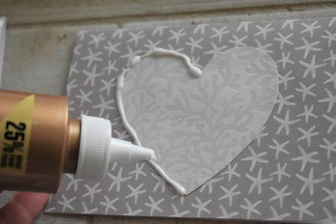 DIY Coastal Notecards - 6 glue around heart
