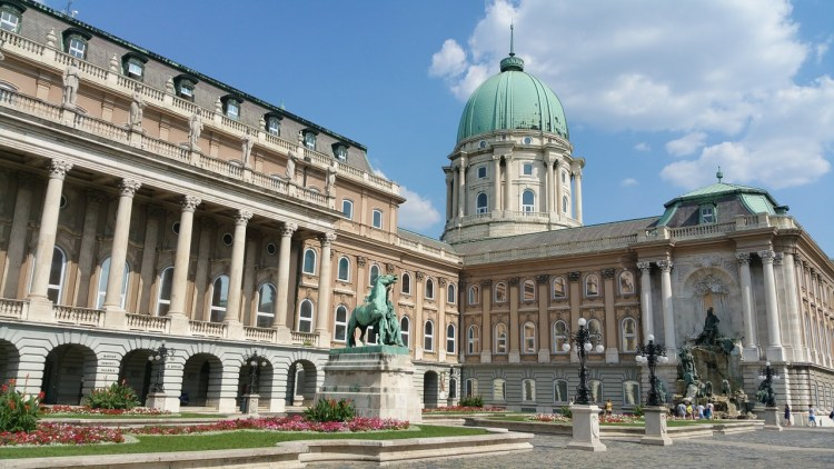 5 Things to do in Buda, Budapest. Image of Buda Castle in the daytime