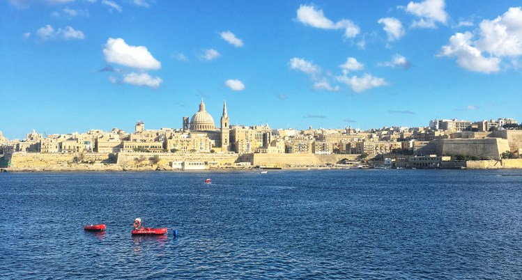 10 Things you should know about Malta. Going to Malta - what you need to know. Image of Malta skyline