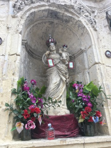 10 Things you should know about Malta - Going to Malta- what you need to know. Image of a religious shrine in Rabat